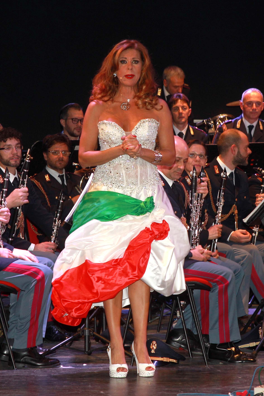 Paola Delli Colli, presentatrice della serata